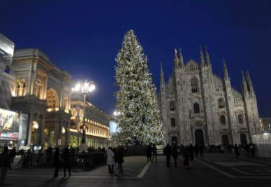 Milano_Duomo_Piazza_SeraR400