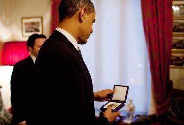 Obama_NobelR375