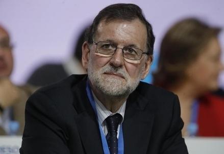 Rajoy_Mariano_seduto_R439