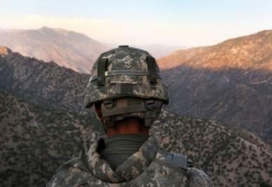 afghanistan_guerra_soldatoR400