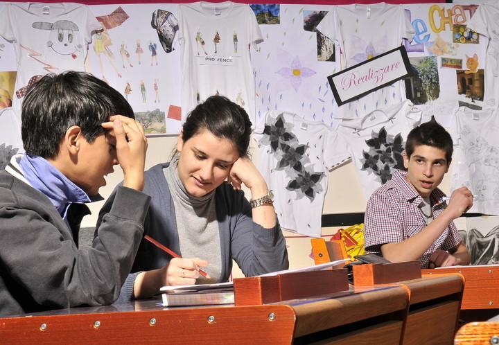 cometaresearch_scuola_banchi_cometaresearch