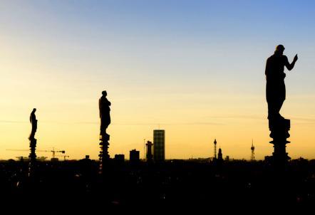milano_tramonto_duomo_R439