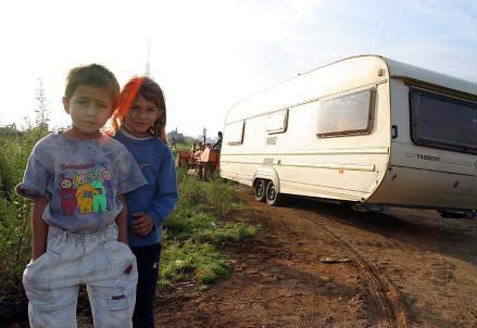 rom_campo_nomadi_r439