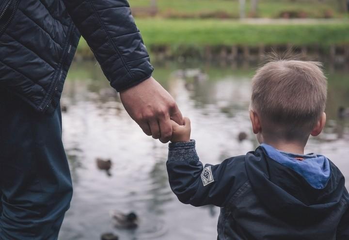 Famiglia_padre_bambino_Pixabay