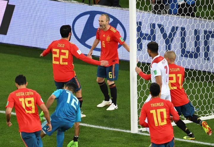 Iniesta_Isco_Spagna_gol_Mondiali_lapresse_2018