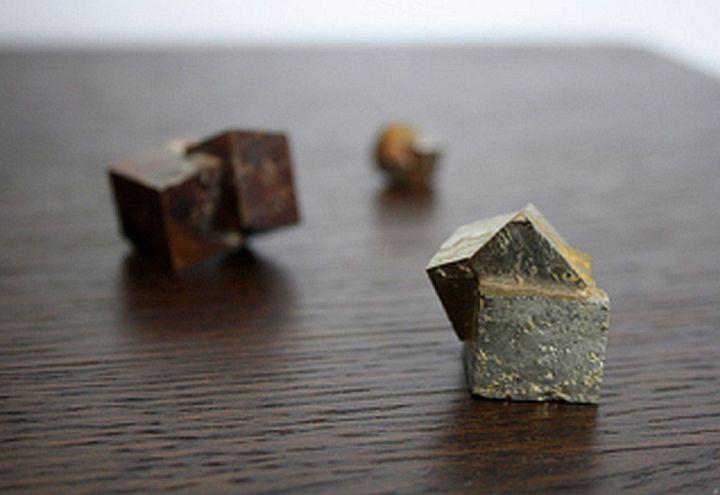 Metodo per la datazione di rocce