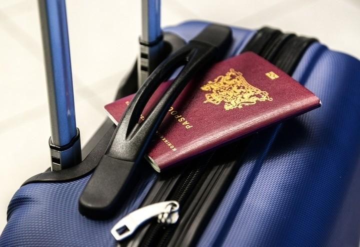 Valigia_passaporto_Pixabay