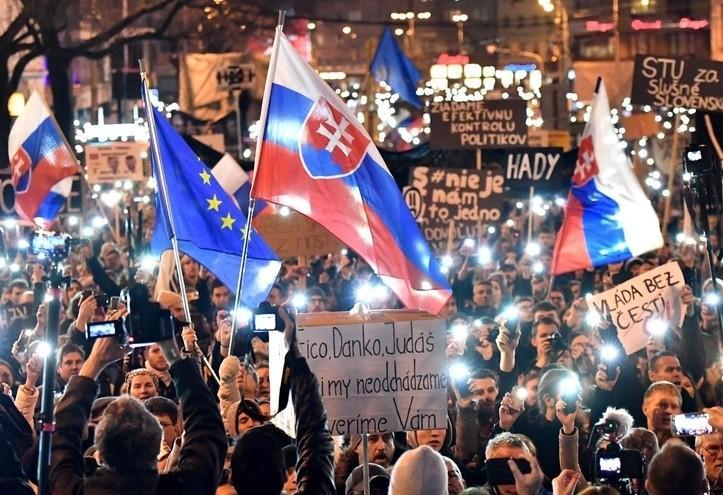 slovacchia_bratislava_manifestazione_protesta_lapresse_2016