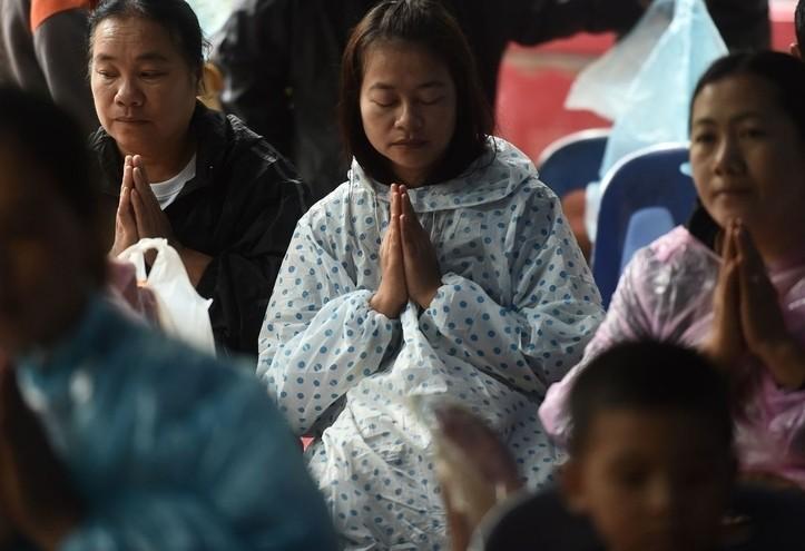 thailandia_preghiera_religione_fede_lapresse_2018