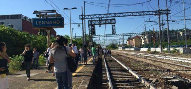 treno_legnano_stazione_sciopero_trenord_binari_twitter_2018