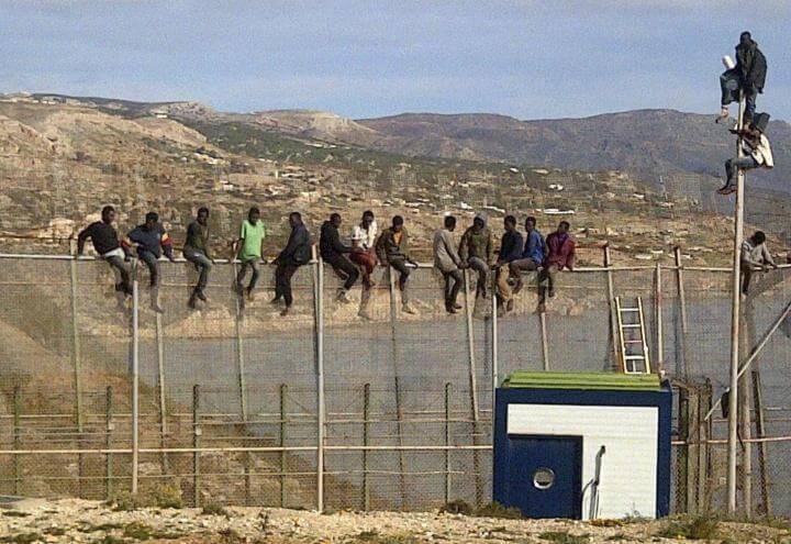 migranti_spagna_ceuta_marocco_confine_lapresse_2018