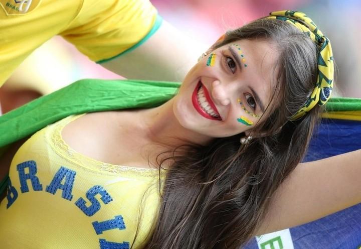 mondiali_tifo_tifosa_brasile_lapresse_2018