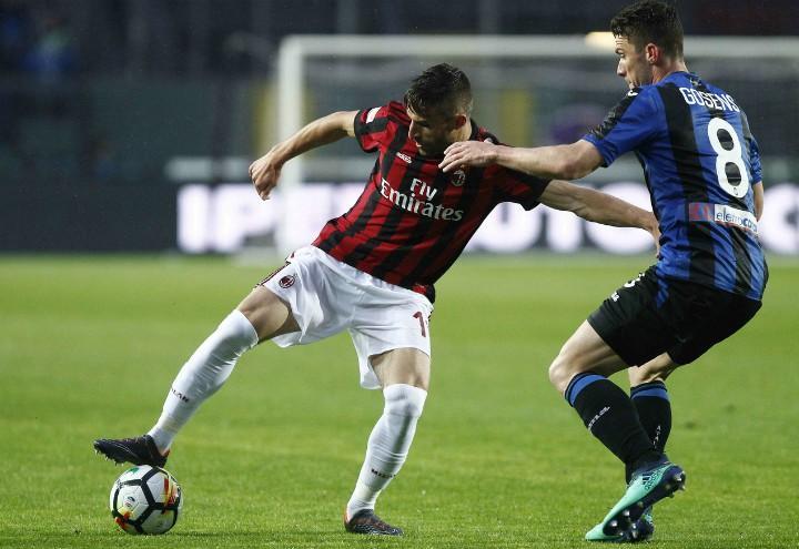 Borini_Gosens_Milan_Atalanta_lapresse_2018