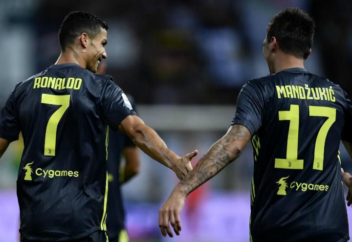 Ronaldo_Mandzukic_Juventus_blu_schiena_lapresse_2018
