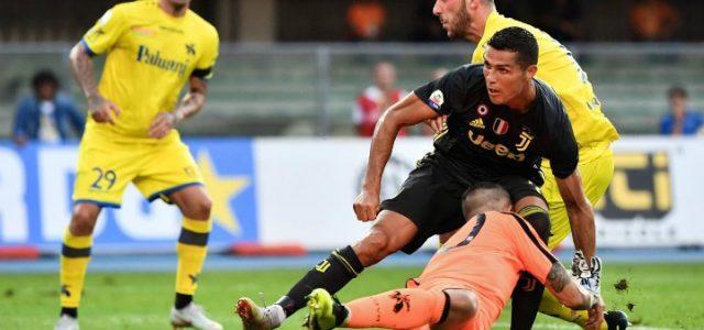 Sorrentino_Ronaldo_scontro_Chievo_Juventus_lapresse_2018