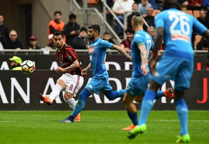 Suso_Hysaj_Napoli_Milan_cross_lapresse_2018