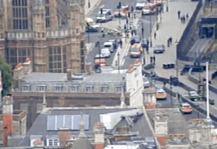 londra_parlamento_attentato_westminster_twitter_2018