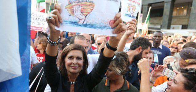 protesta_sinistra_boldrini_muri_lapresse_2018