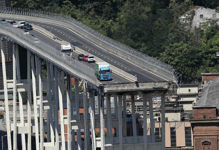 Genova_ponte_Morandi_crollo_lapresse_2018