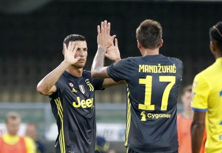 Ronaldo_Mandzukic_Juventus_high_five_lapresse_2018