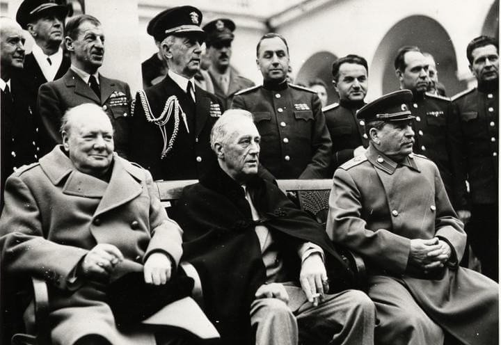 yalta_churchill_roosevelt_stalin_lapresse_1945