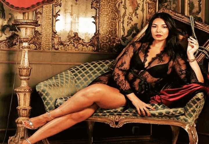 dffded8fe941 Elisa D Ospina torna a Detto Fatto con il tutorial sul look delle modelle  curvy