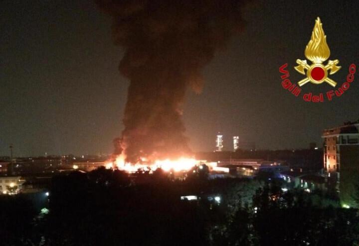 incendio_milano_rifiuti_twitter
