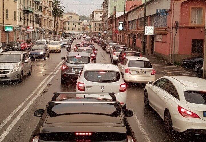 traffico_genova_caos_castagneto