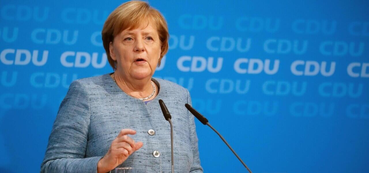 """Angela Merkel: """"L'Europa al momento non può difendersi da sola""""."""