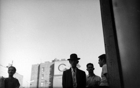 Saul Leiter, Man with tie, 1949