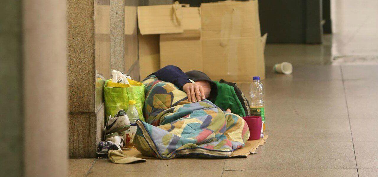 senzatetto povero clochard 1 lapresse 2018