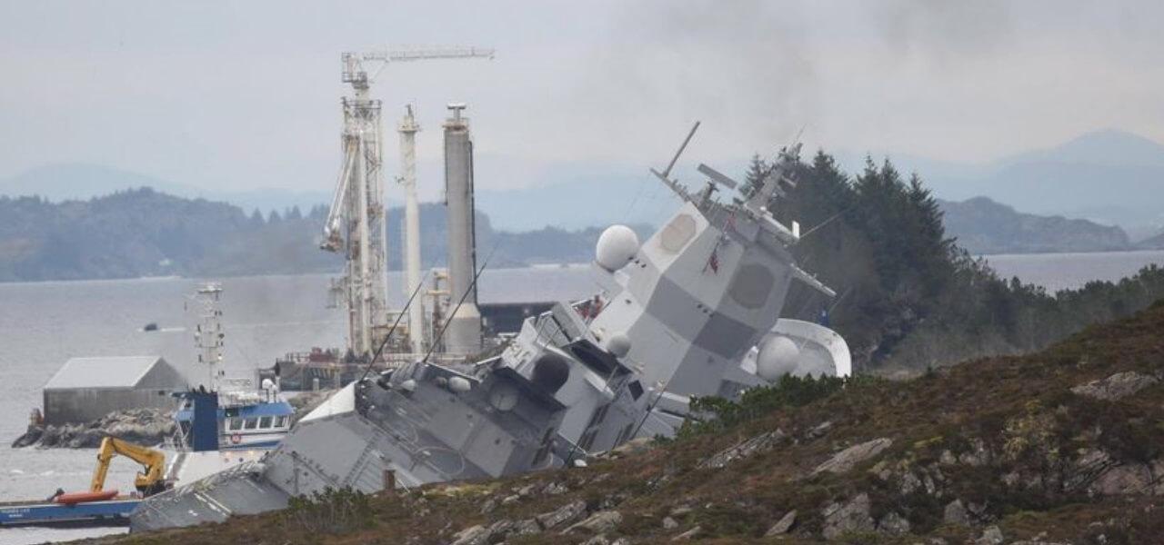 Norvegia, collisione tra nave militare e petroliera