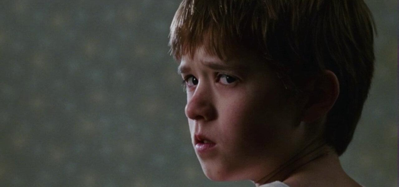 Bambino Sesto Senso.Il Sesto Senso Italia 1 Trama Cast E Trailer Del Film Con Bruce Willis 26 Marzo 2020