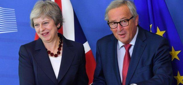 Premier May e Presidente Ue Juncker