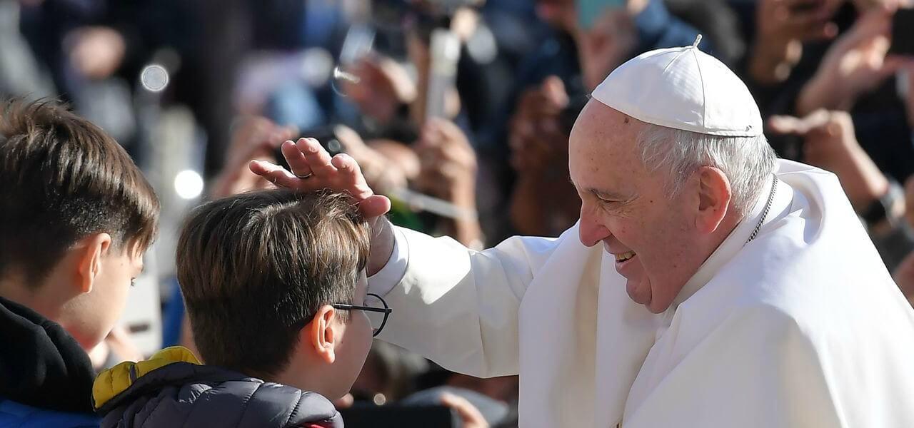papa francesco bambini 1 lapresse1280