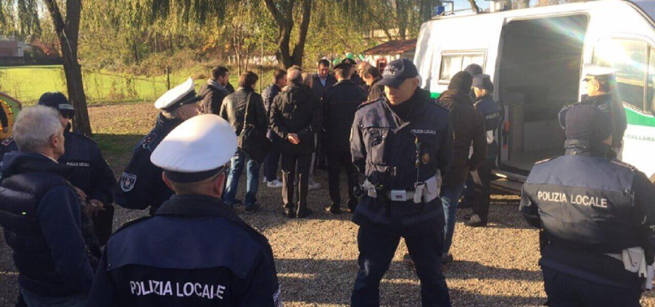 Gallarate Sgombero Al Campo Sinti Di Via Lazzaretto Riprendono Le Operazioni Dopo La Tensione Di Ieri