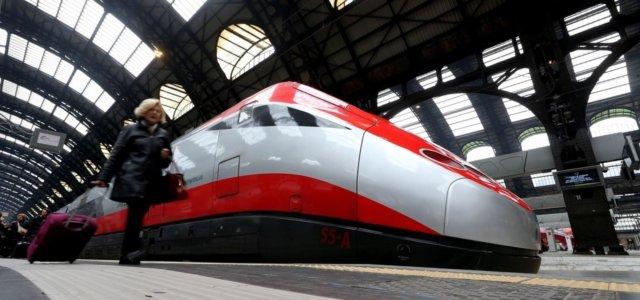 alta velocità coronavirus stop distanziamento treni