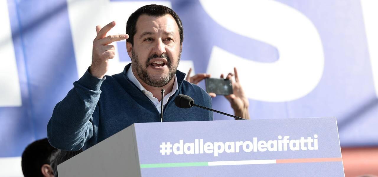 Salvini in piazza