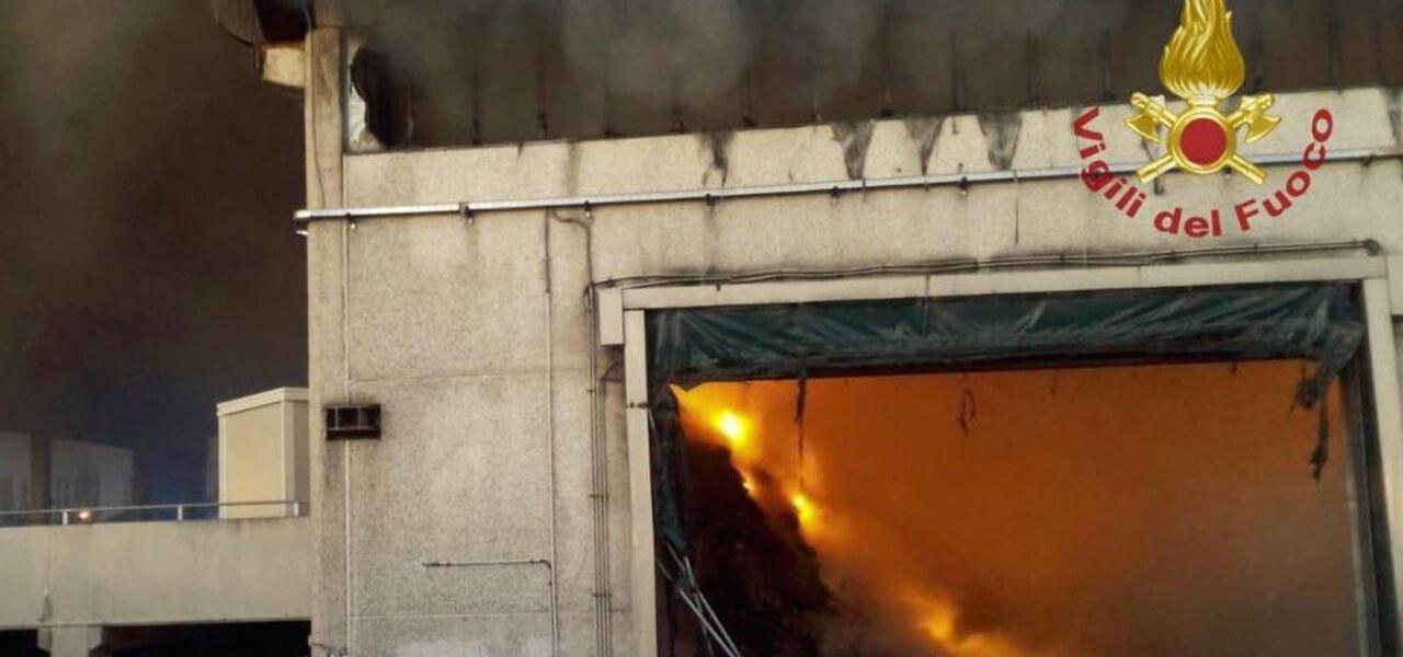 Incendio deposito Ama di Roma