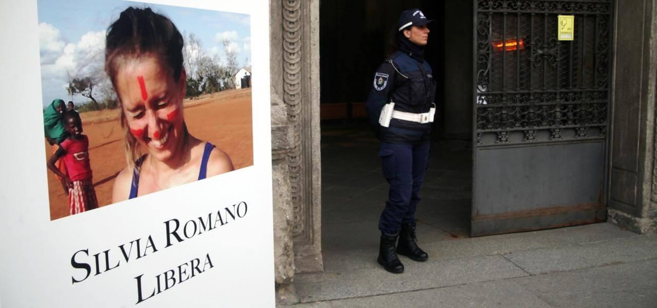 Silvia Romano, manifesti a Milano