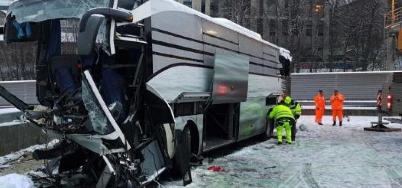 Flixbus, incidente a Zurigo (Foto Twitter)