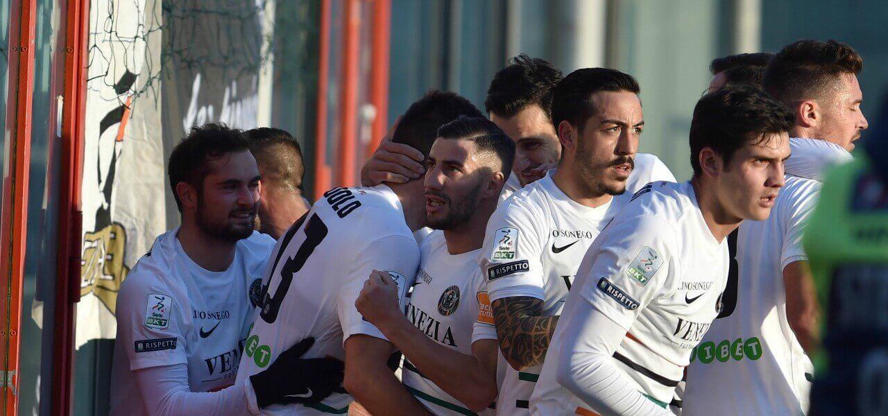 Venezia gol gruppo Modolo lapresse 2018