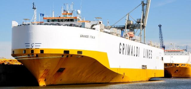 Nave cargo Grimaldi Lines dirottata