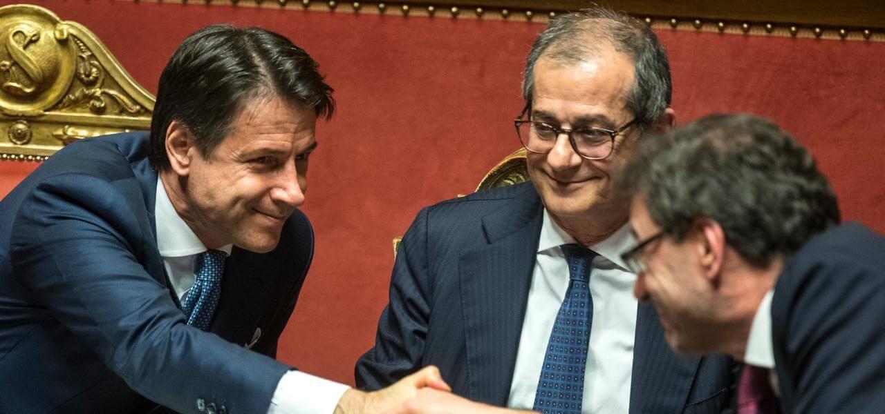 https://cdnx.ilsussidiario.net/wp-content/uploads/2018/12/23/conte_tria_giorgetti_manovra_senato_lapresse_2018.jpg