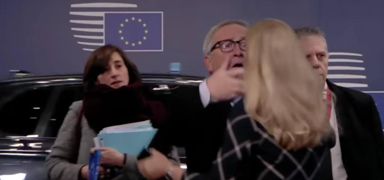 Juncker spettina una donna