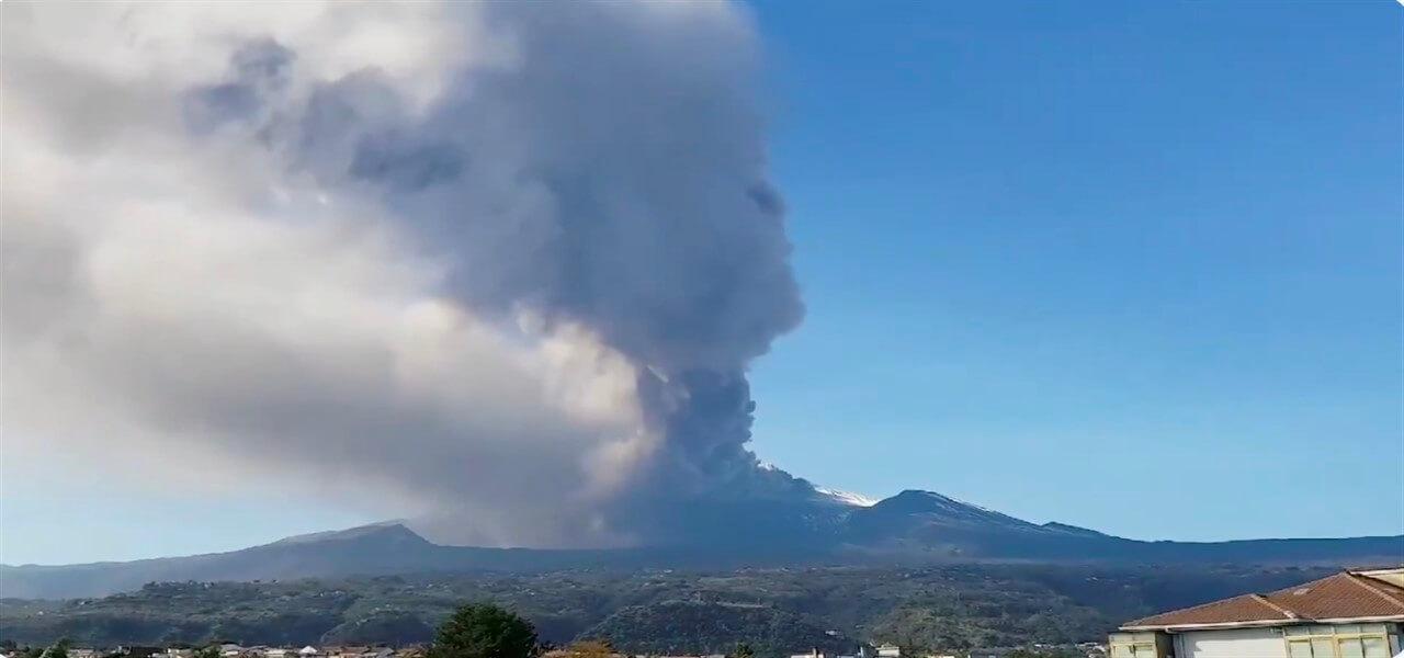 eruzione etna 2018 twitter