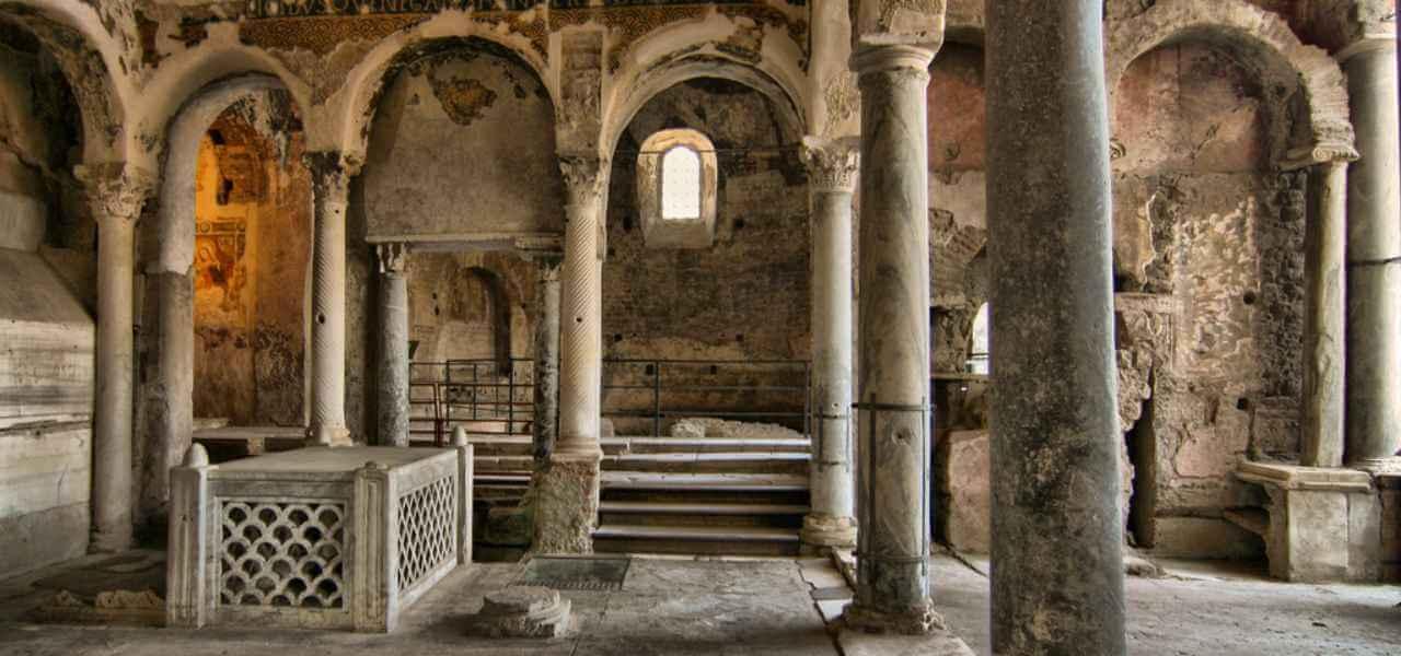 La tomba di San Felice da Nola