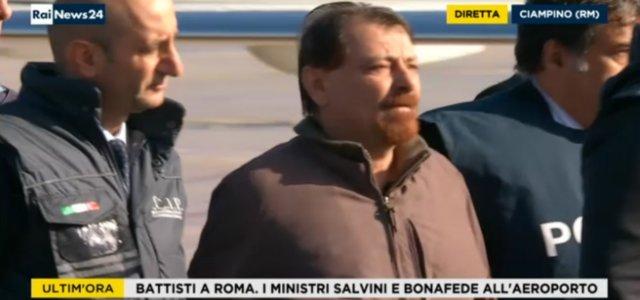 Cesare Battisti è atterrato a Ciampino