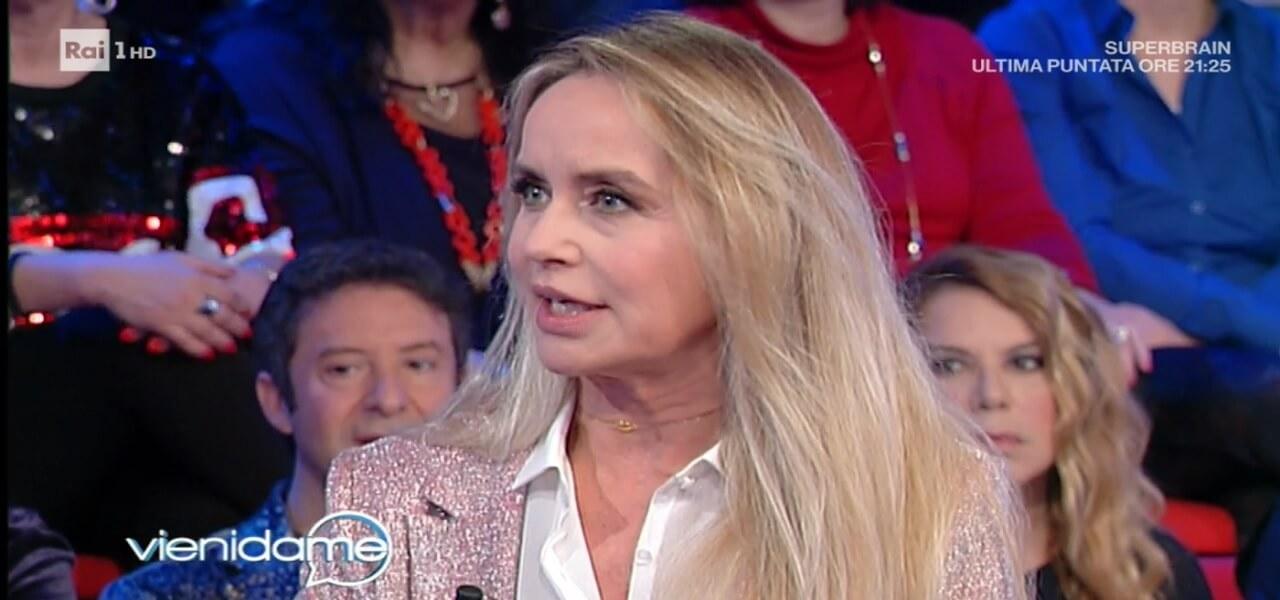 """Gloria Guida a Vieni da me/ """"Con Johnny Dorelli 10 anni d amore"""