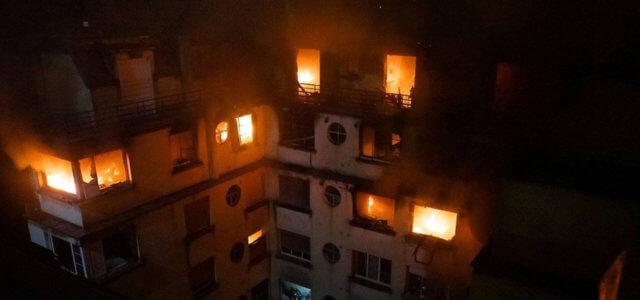 Incendio in un palazzo di Parigi: 8 morti